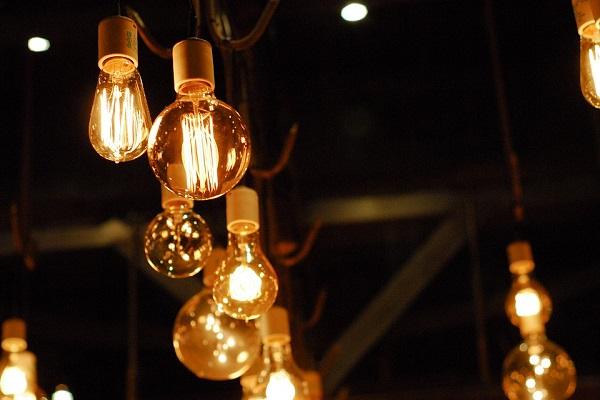照明とオフィス空間